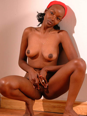 Ebony girls masturbates
