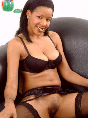 Ebony babe Ivy in black lingerie